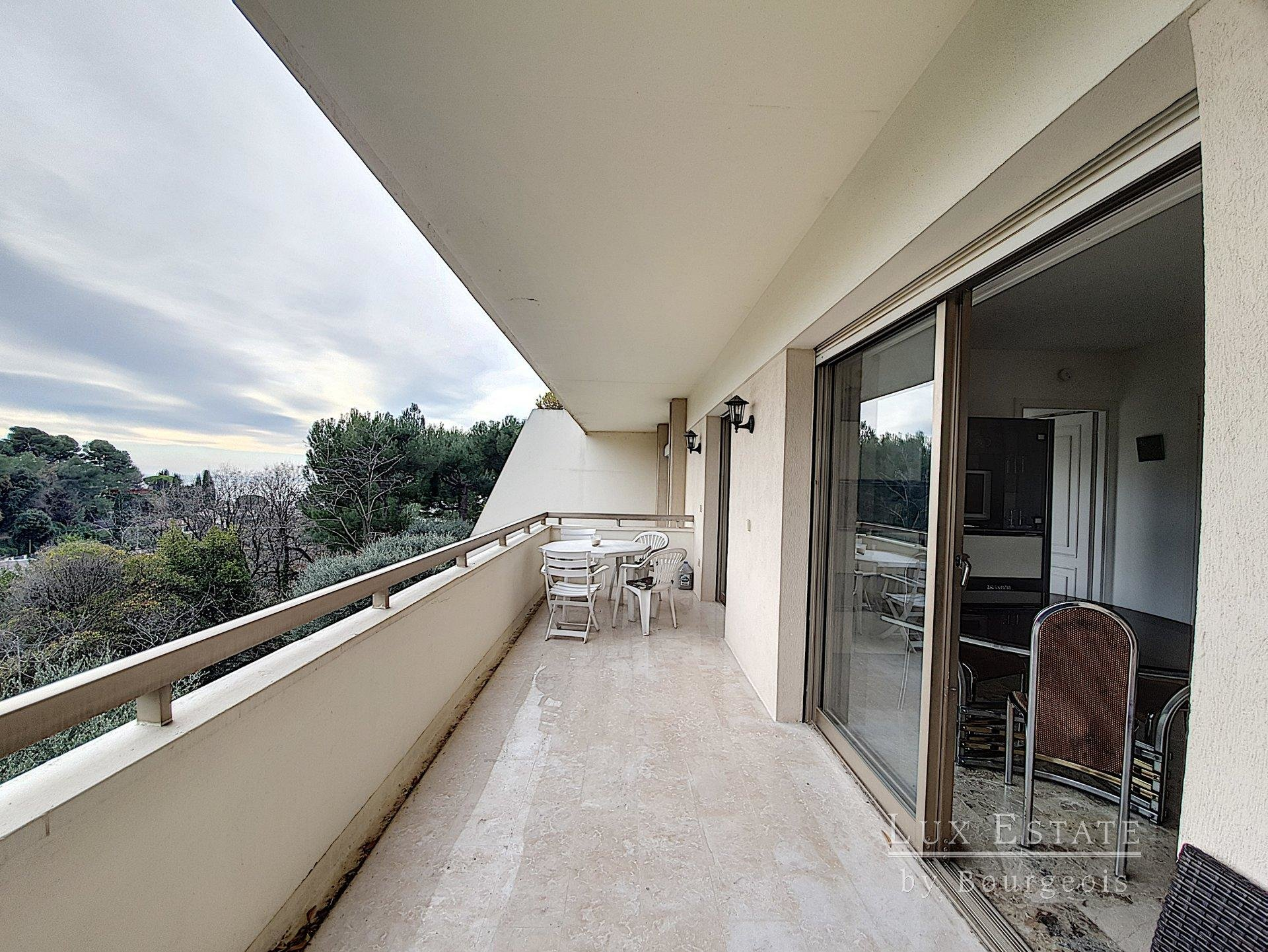 On the heights of Cannes with panoramic seaview