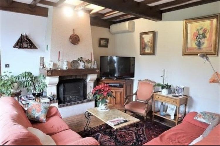 LONGERE AVEC JARDIN – 168 m² - 6 pièces – Lignières-Chatelain