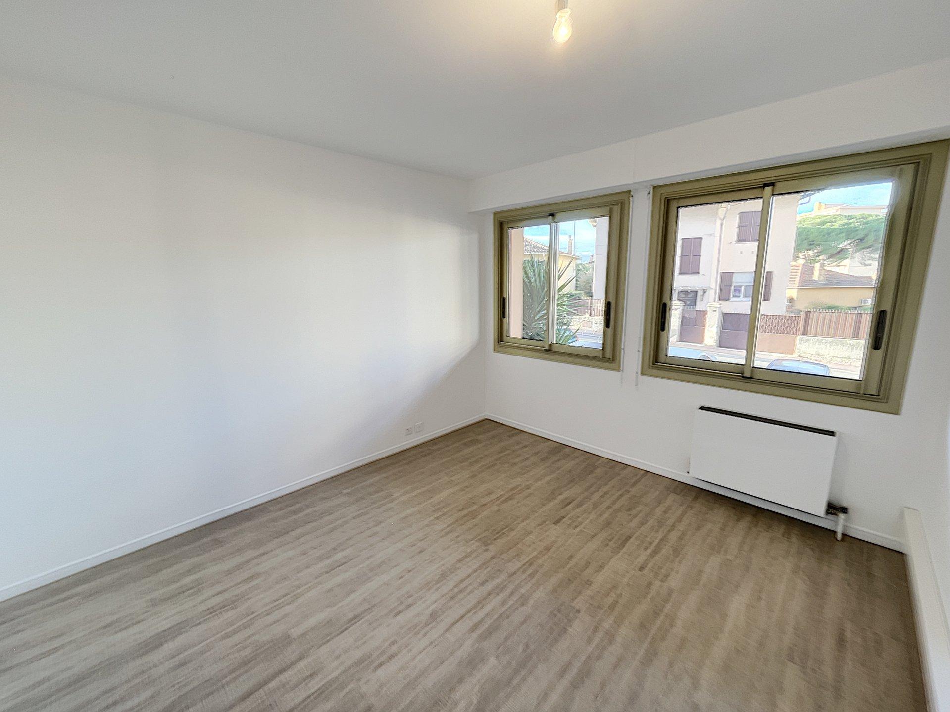 Le CANNET Rocheville* Professional space 36 sq.m