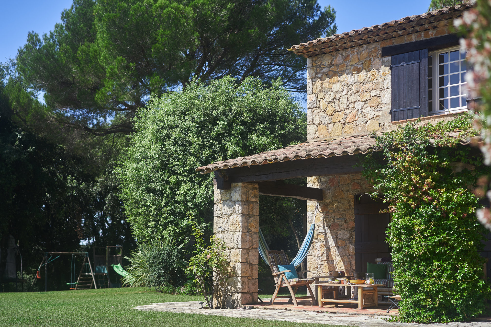 Grasse St Jacques, Stone property in a quiet domain