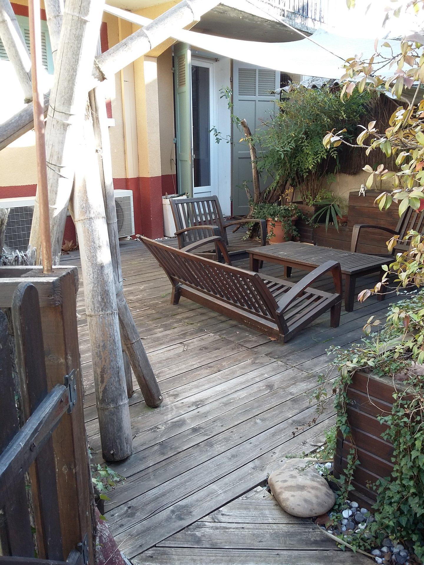 RARE T3 à rénover, terrasse, parking