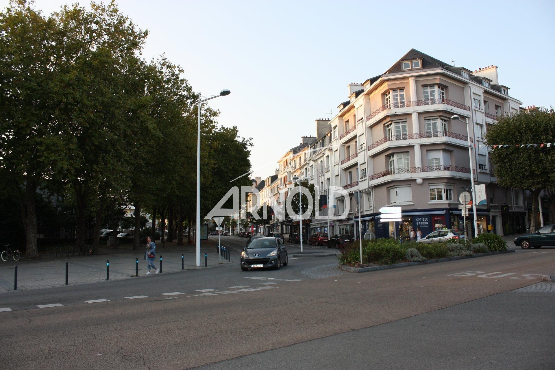 CENTRE  VILLE  DE  LORIENT  HOTEL  DE  VILLE