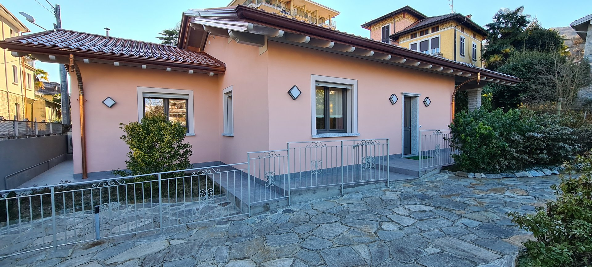 Villa for rent in Stresa, in the center