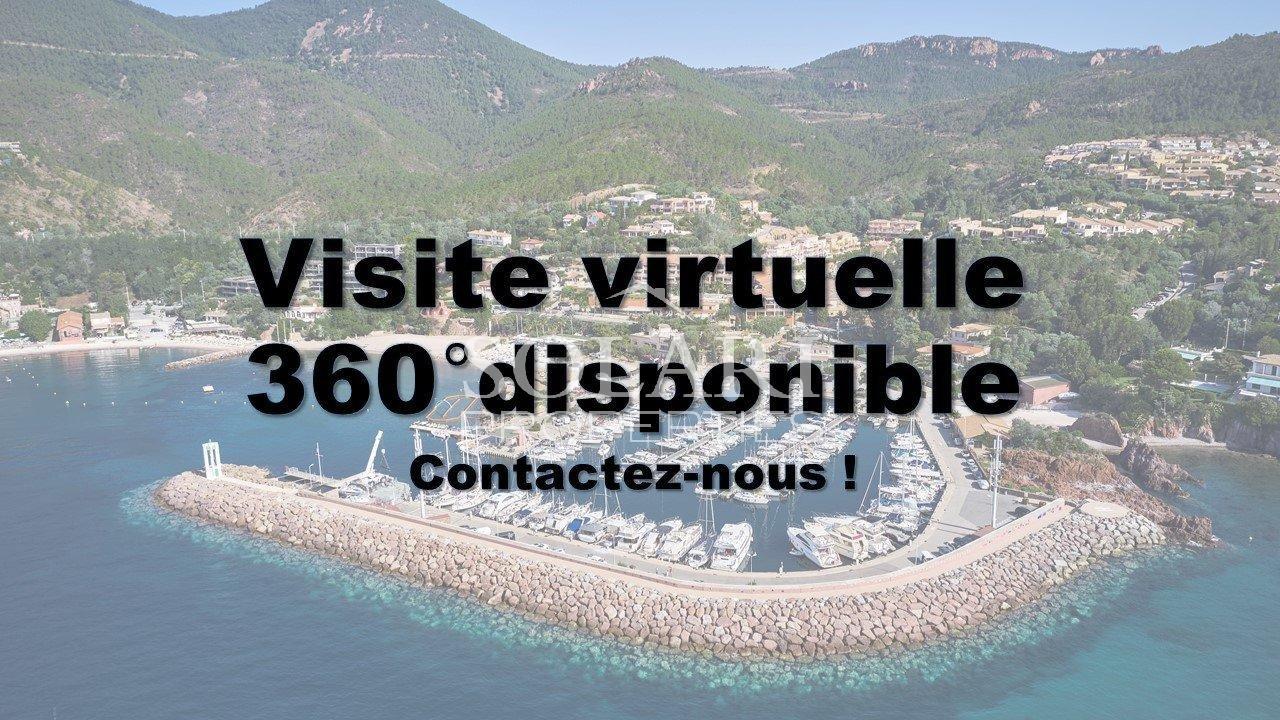 Villa between La Napoule and Théoule village with sea view