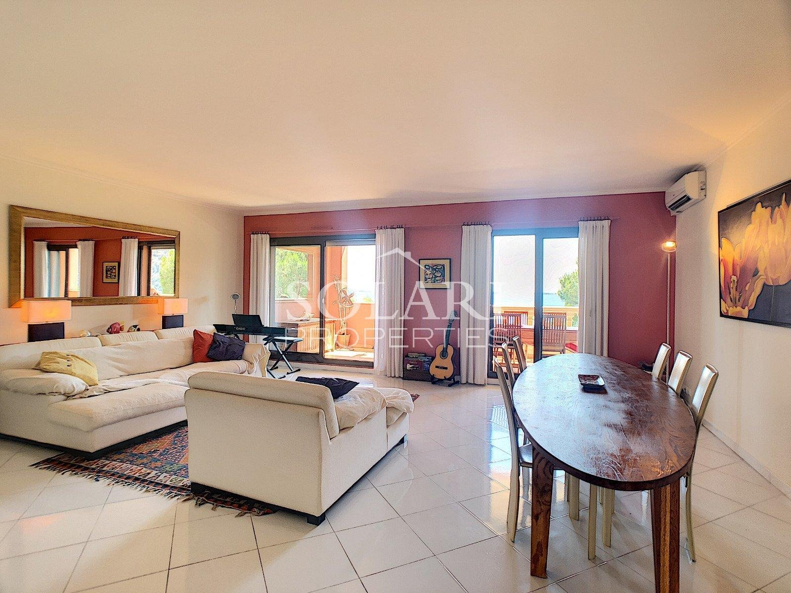 Luxury apartment in the Bay of Cannes close to beaches of Theoule