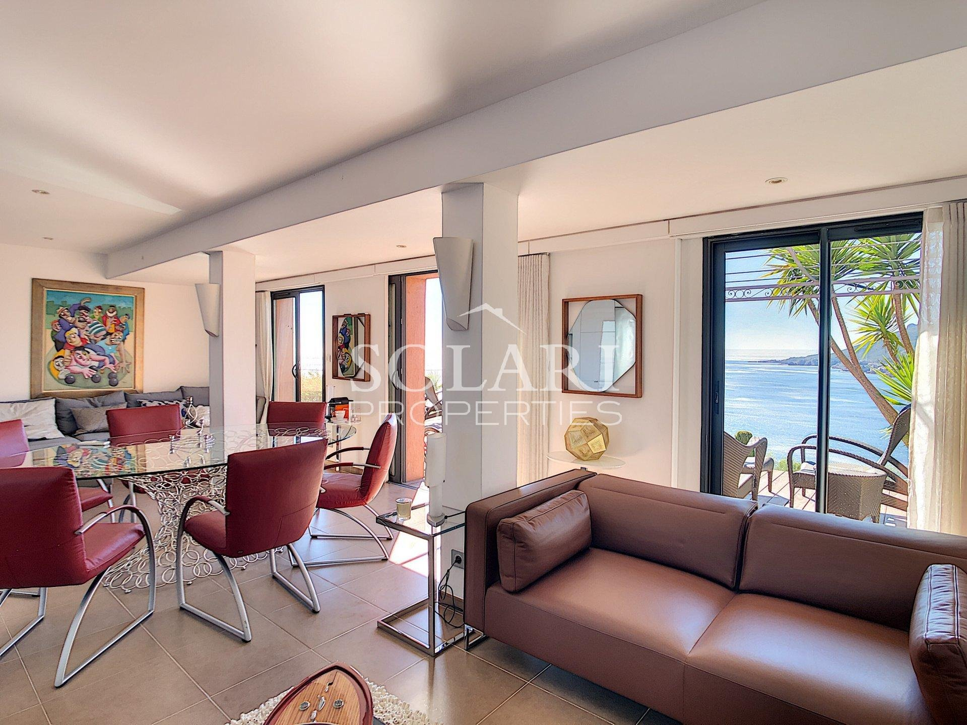 Superbe villa aux prestations récentes vue mer, quartier résidentiel