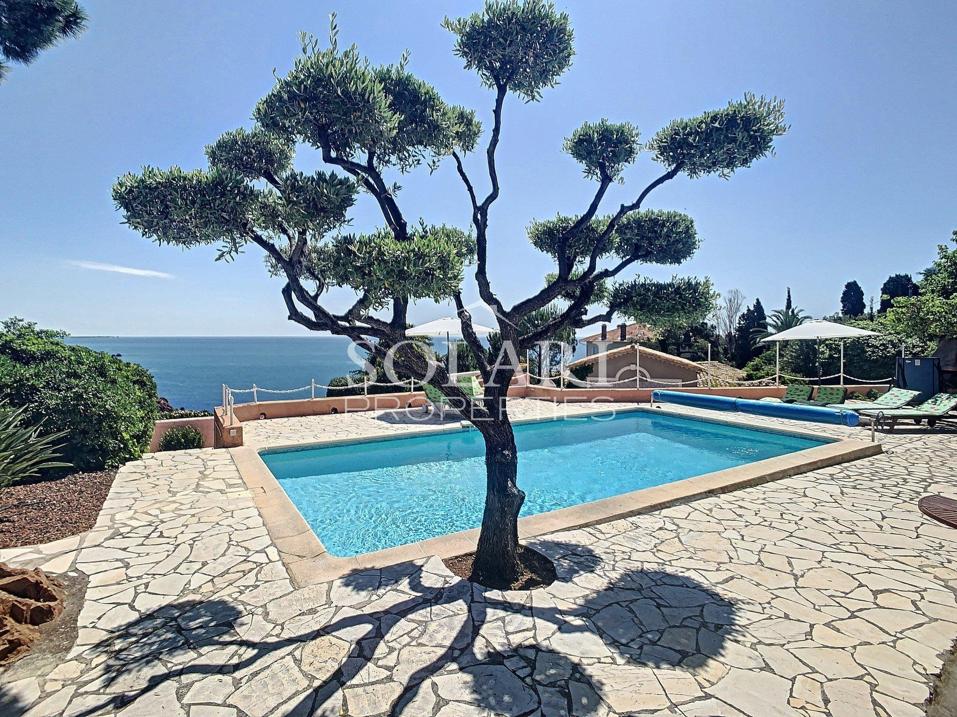 Villa with pool in Le Trayas