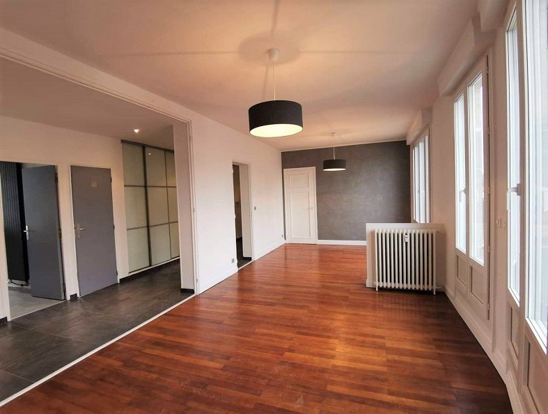 EN EXCLUSIVITE APPARTEMENT AVEC BALCON - 86 m2- 3 pièces – Amiens Centre
