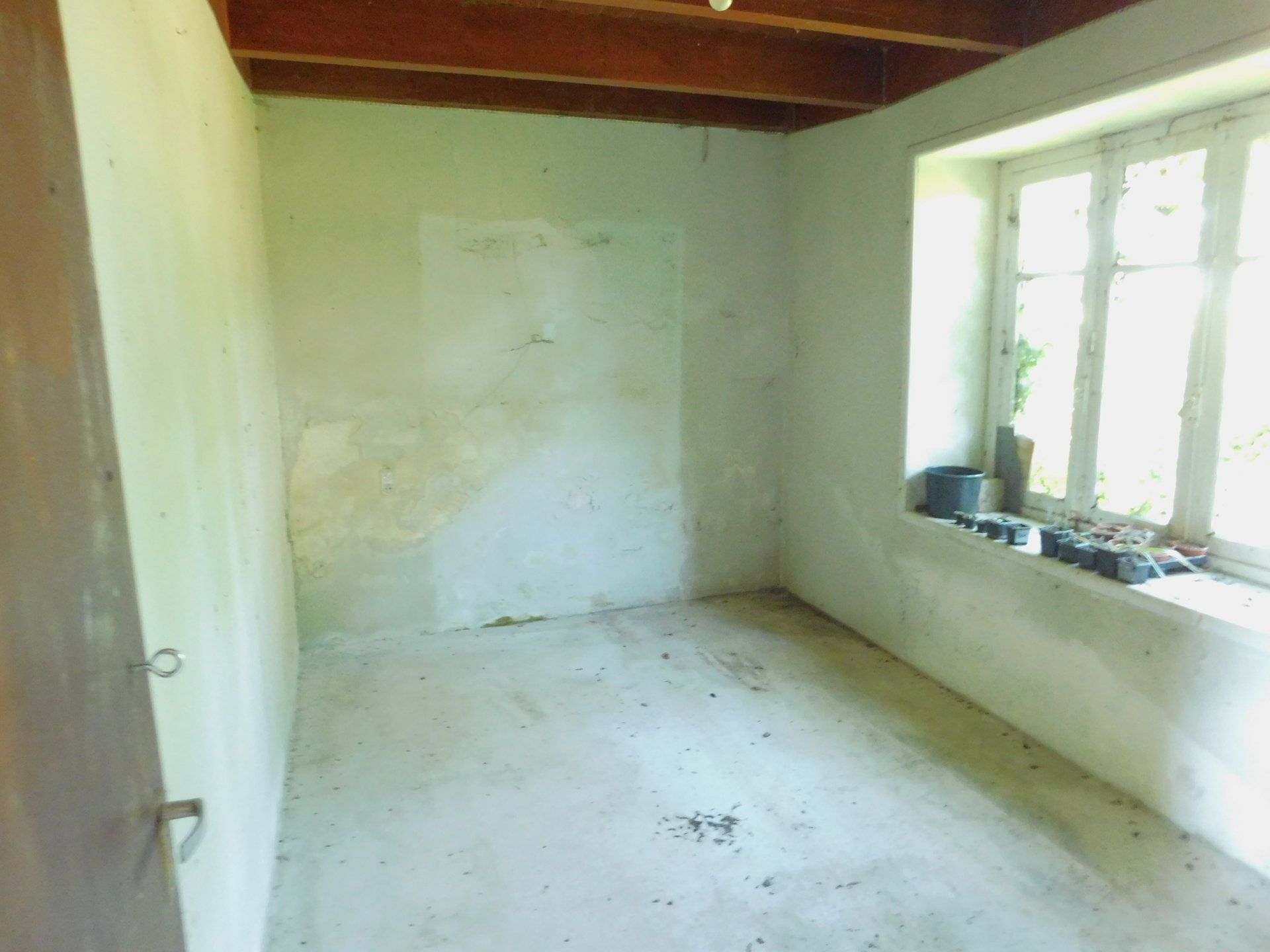 Sale House - Motreff