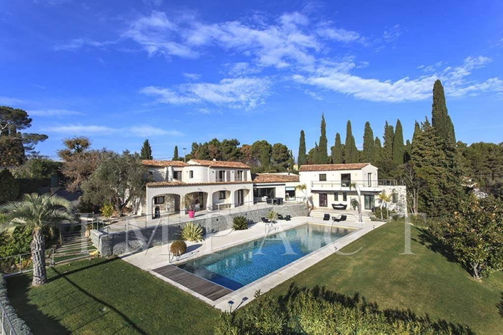 BEAUTIFUL PROVENCAL MODERN PROPERTY EXCEPTIONAL VILLAGE AND SEA VIEW