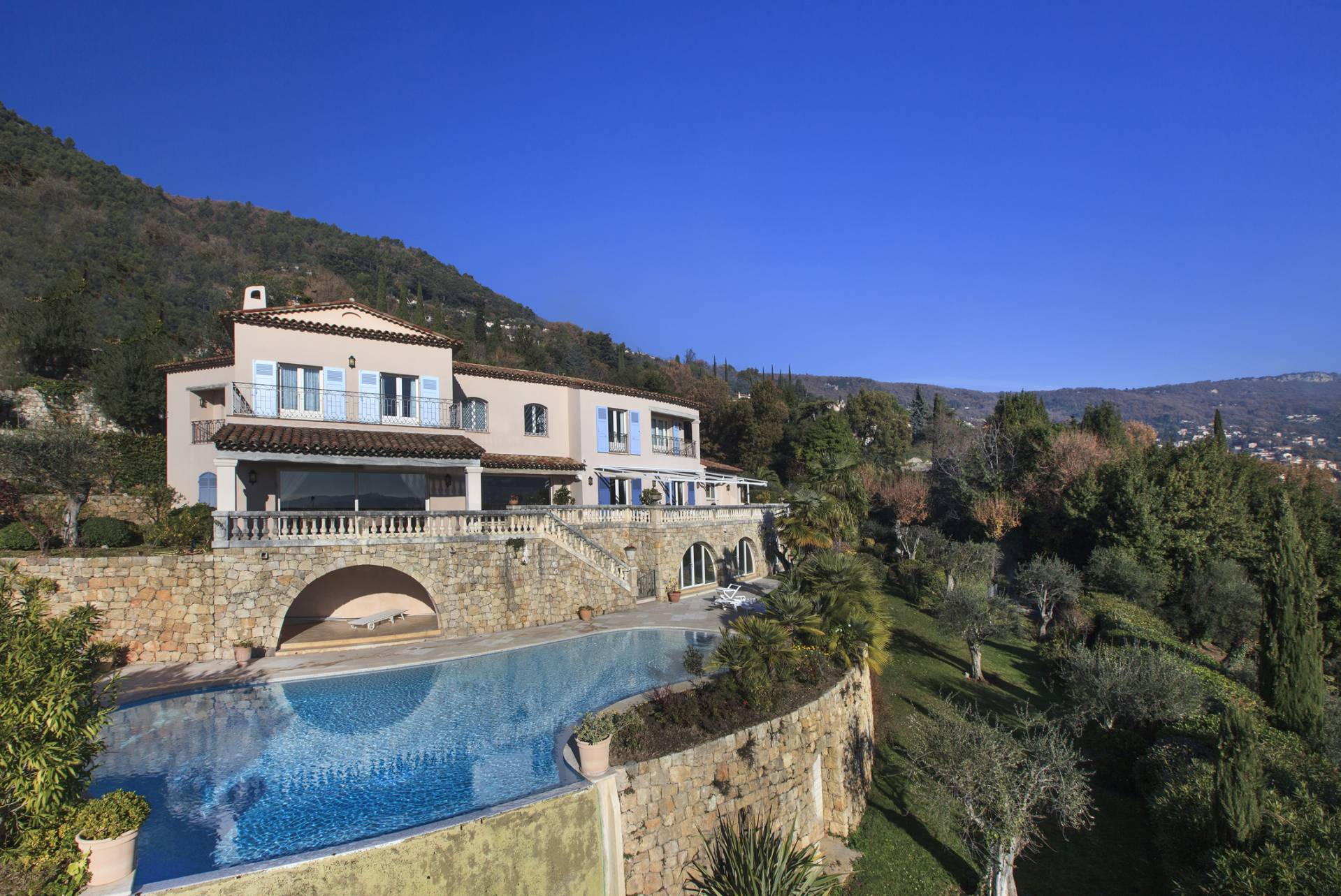 Purchase / Sale Property Grasse