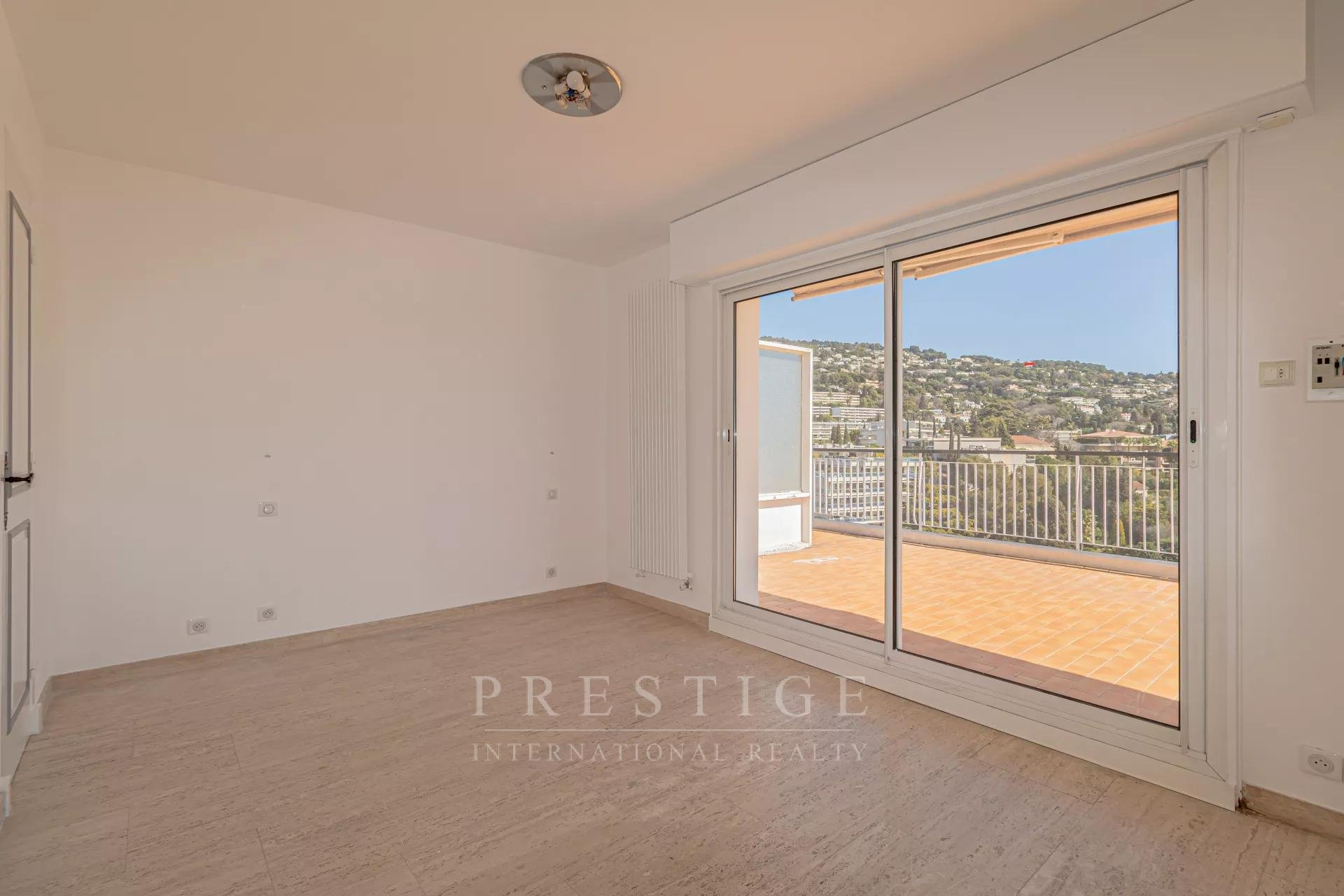 Cannes, penthouse 121sqm & a 180sqm terrace sea view