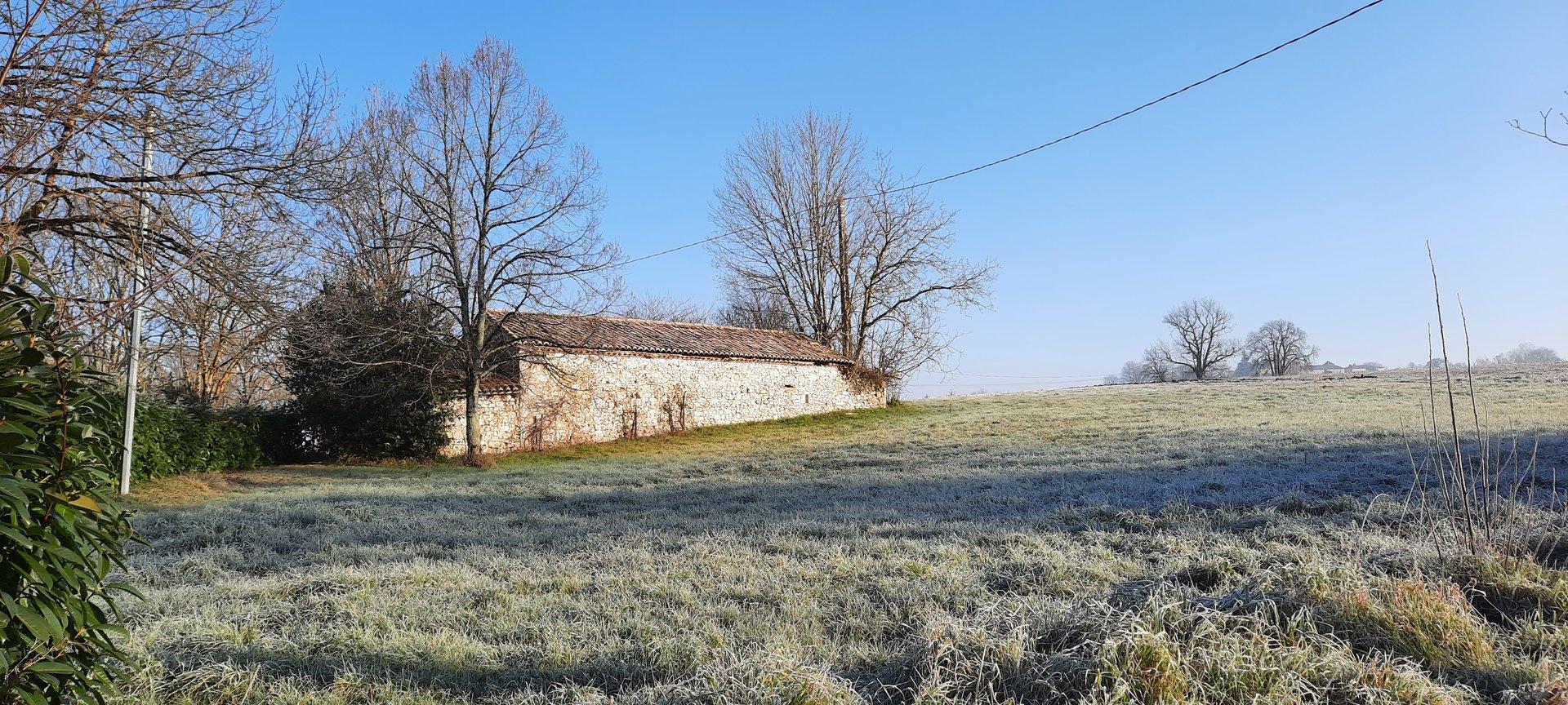 Rare, small stone barn with CU