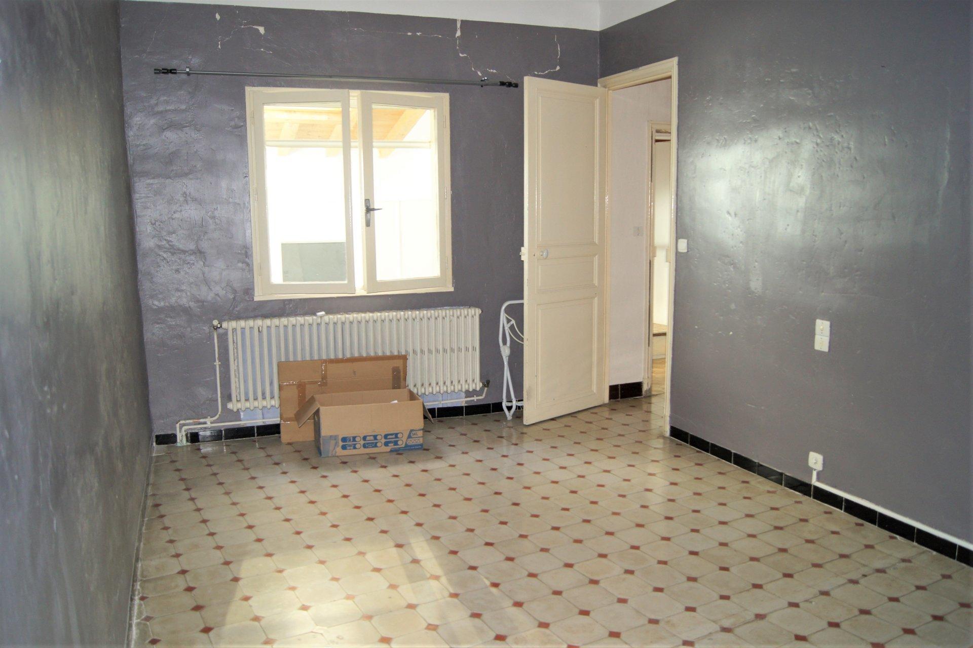 Sale Business assets - Arles