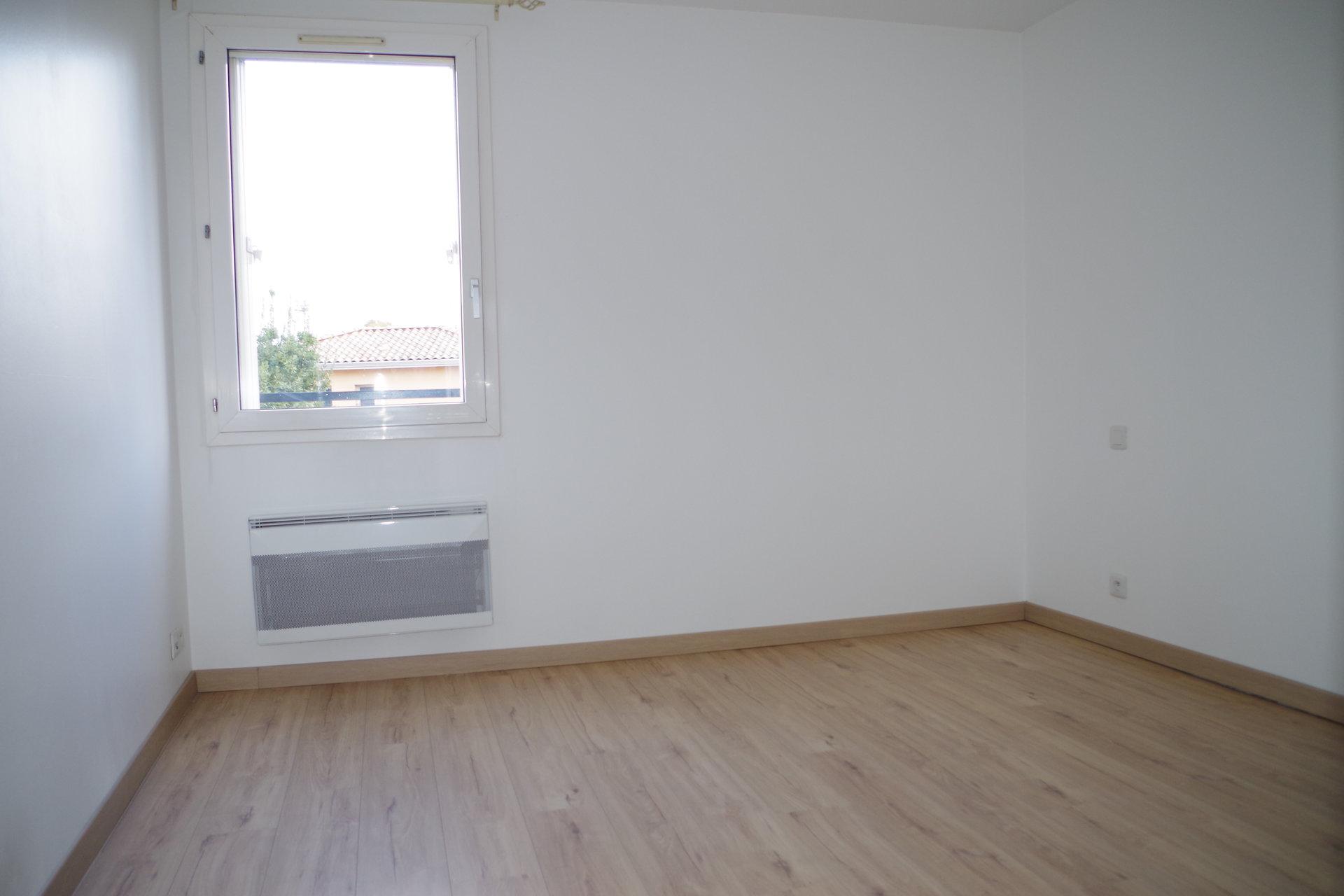 T2 rénové - 53 m² - TOULOUSE BOURRASSOL