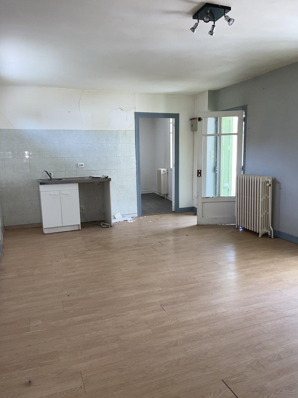 Maison de deux logements à Chazeau
