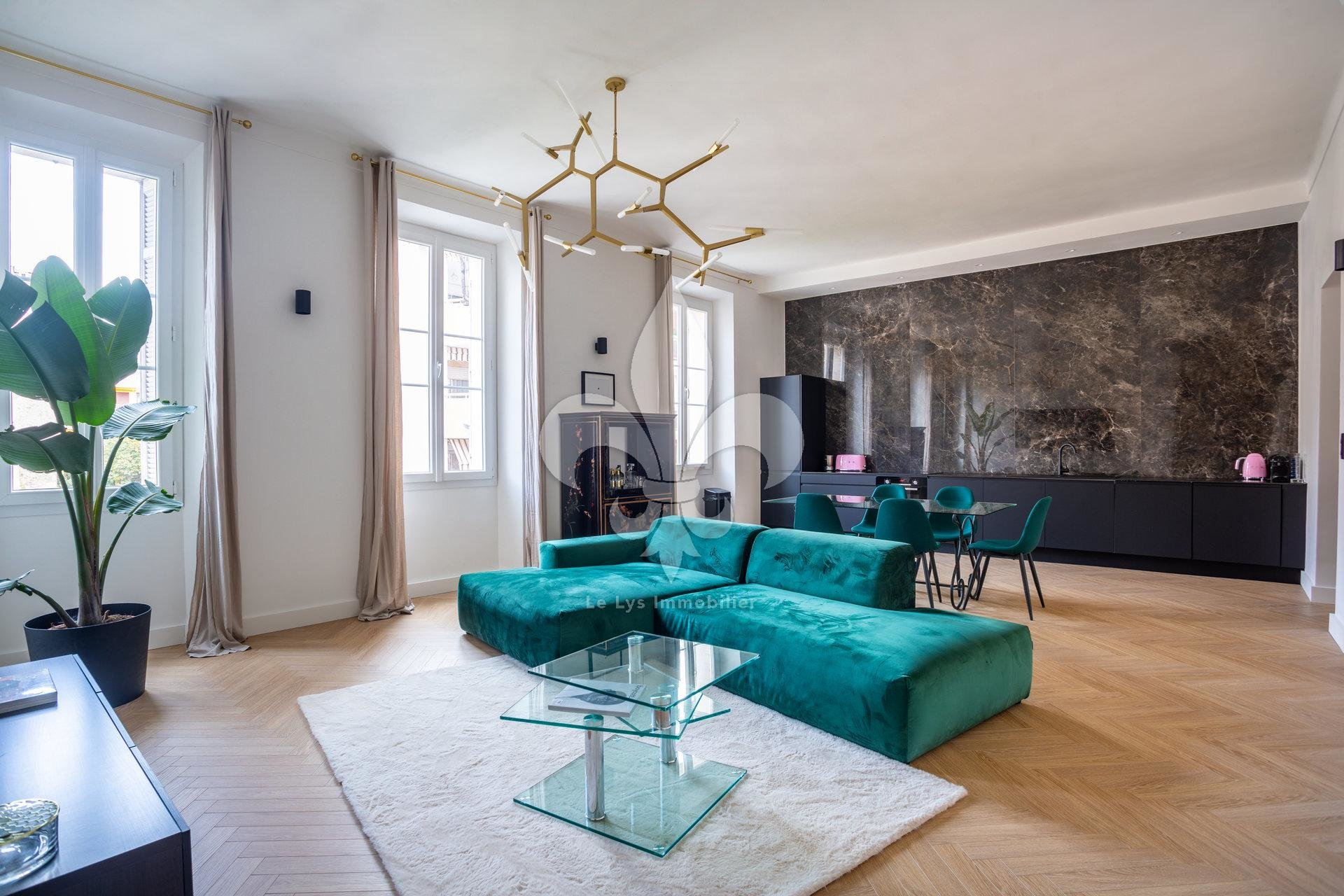 Cannes - Near center : Renovated bourgeois apartment