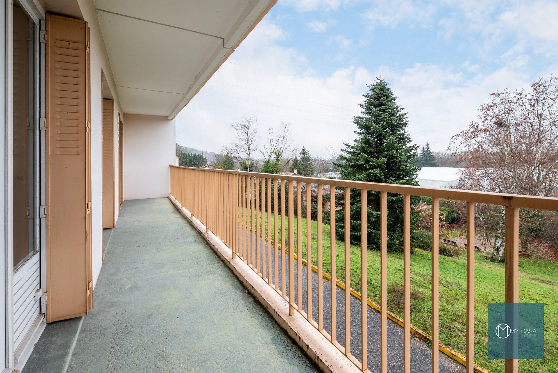 CREPIEUX - T3 de 64 m2 avec Balcon et Garage