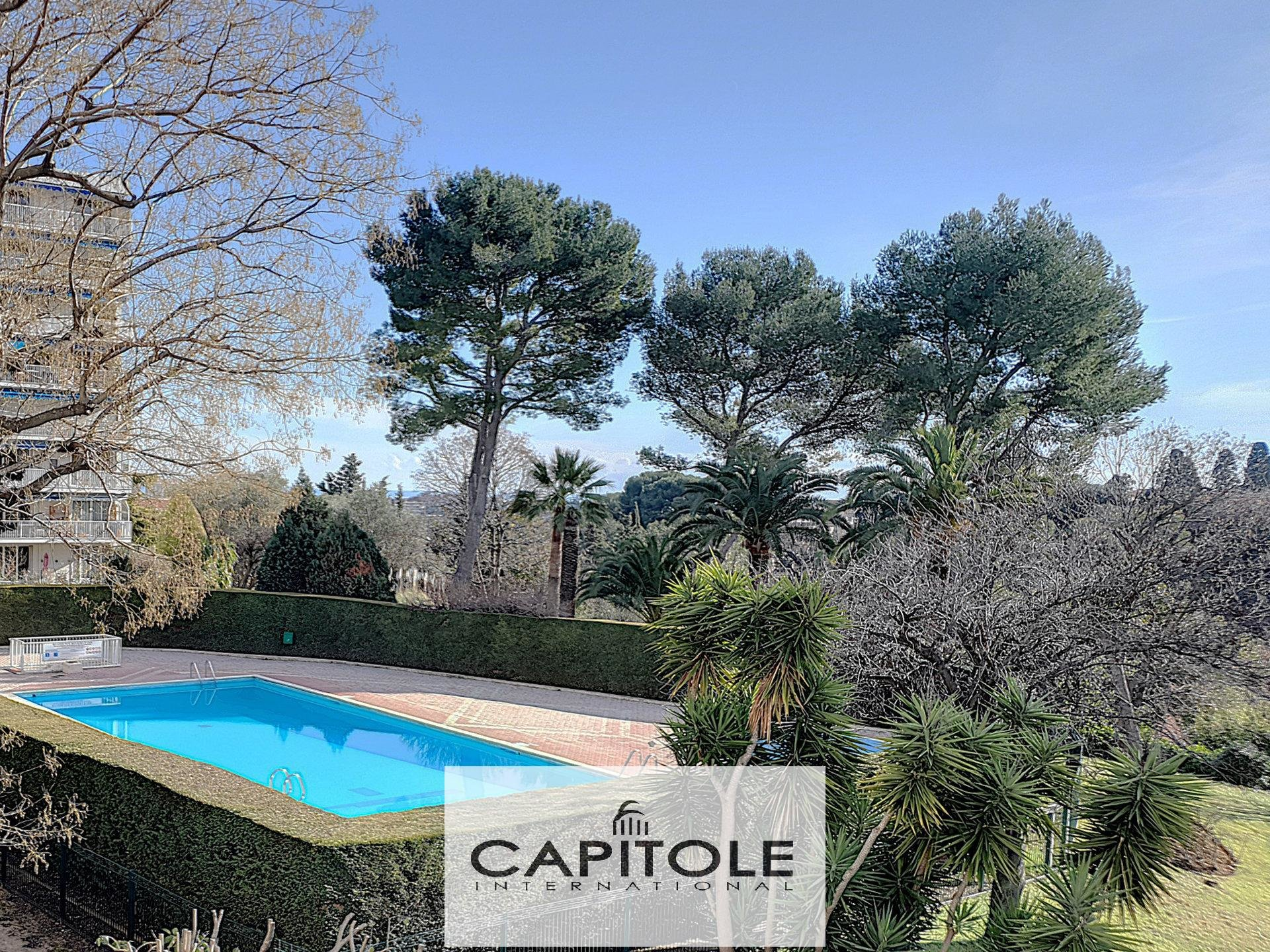 For sale, Antibes sole agent, 1 bedroom apartment 48m²,  terrace, cellar, communal swimming pool,