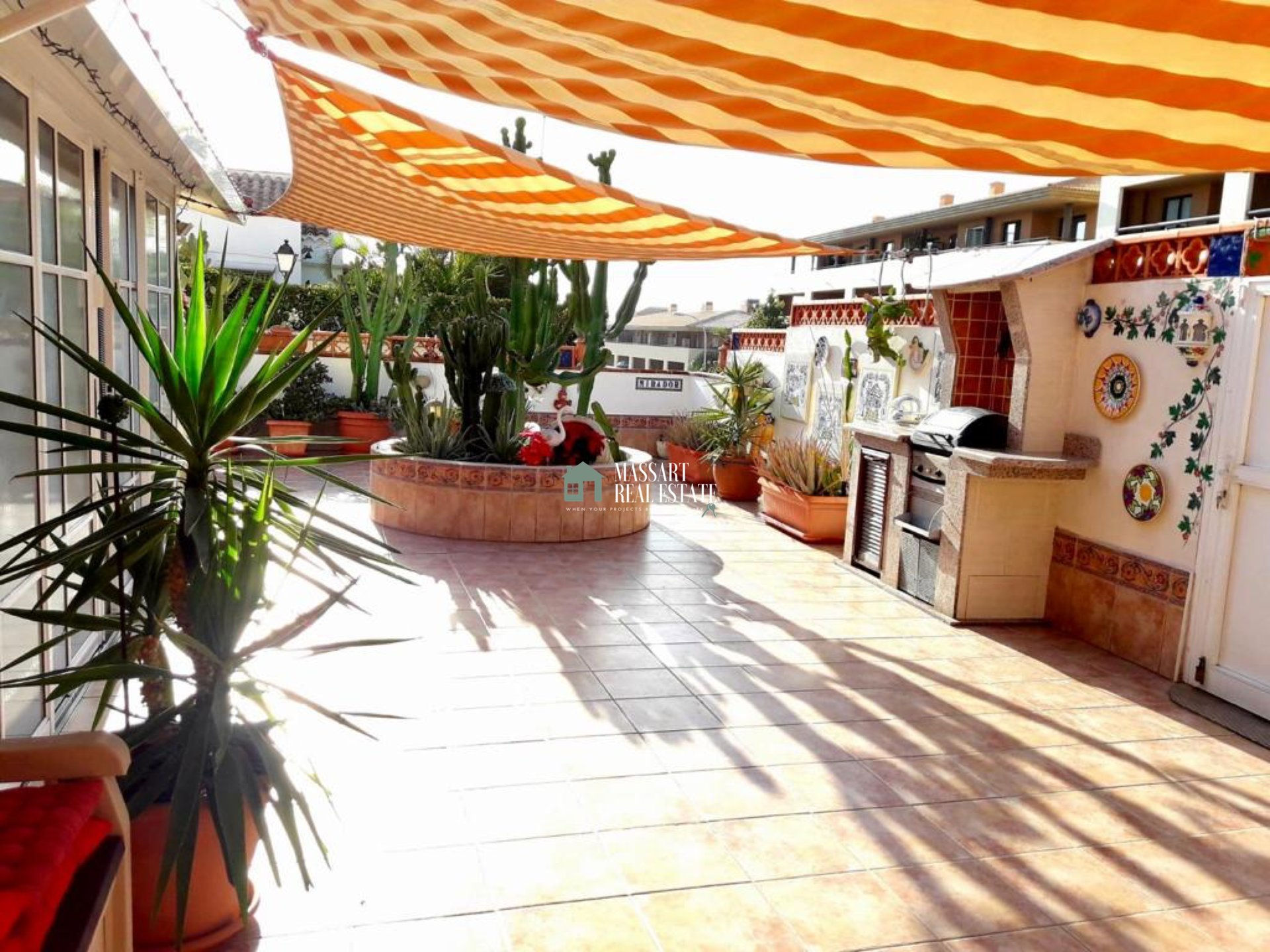 Eckhaus in der strategischen Gegend von Playa Paraíso mit einer wunderschönen Terrasse von 100 m2.
