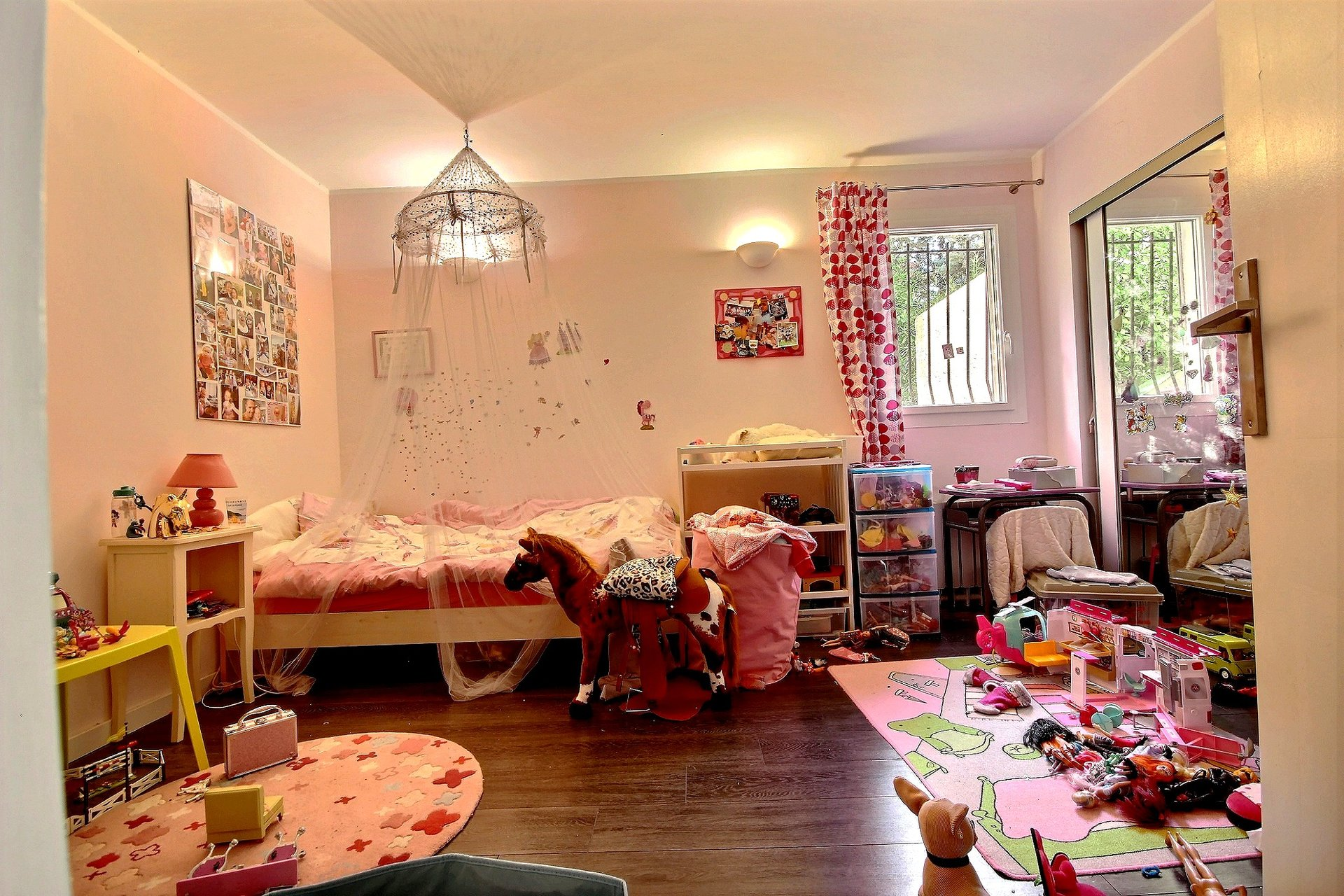 Villa A vendre Mandelieu comprenant 2 beaux appartements spacieux