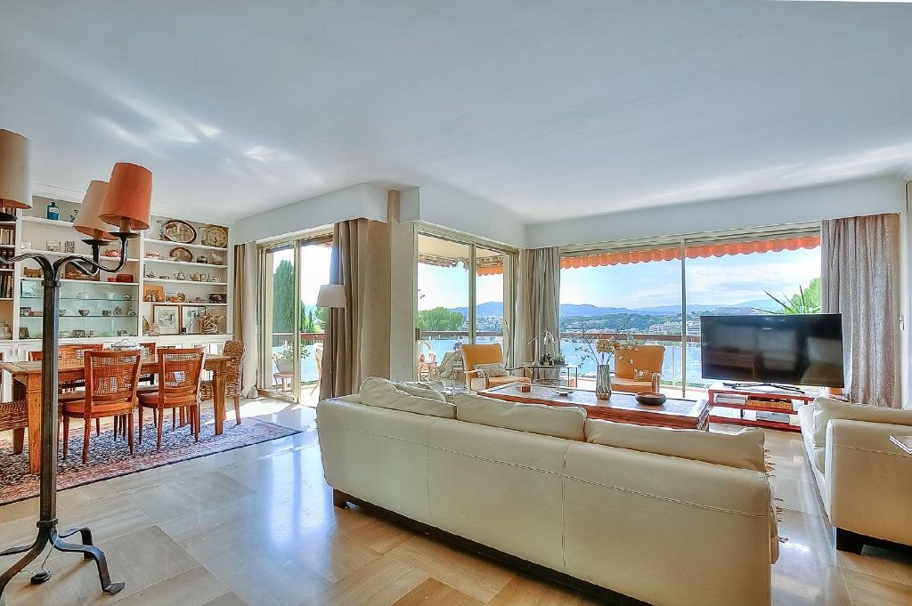 Apartment for sale in Cannes Basse Californie