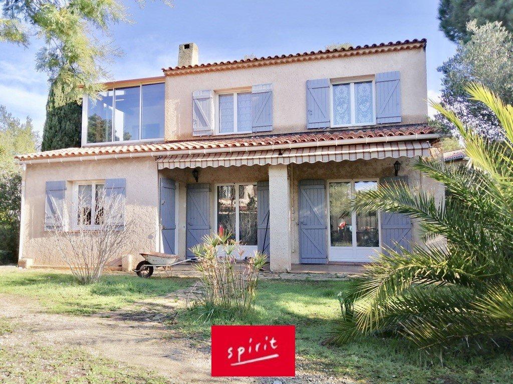 Maison T7 150m² + garage + dépendance sur 1200 m²
