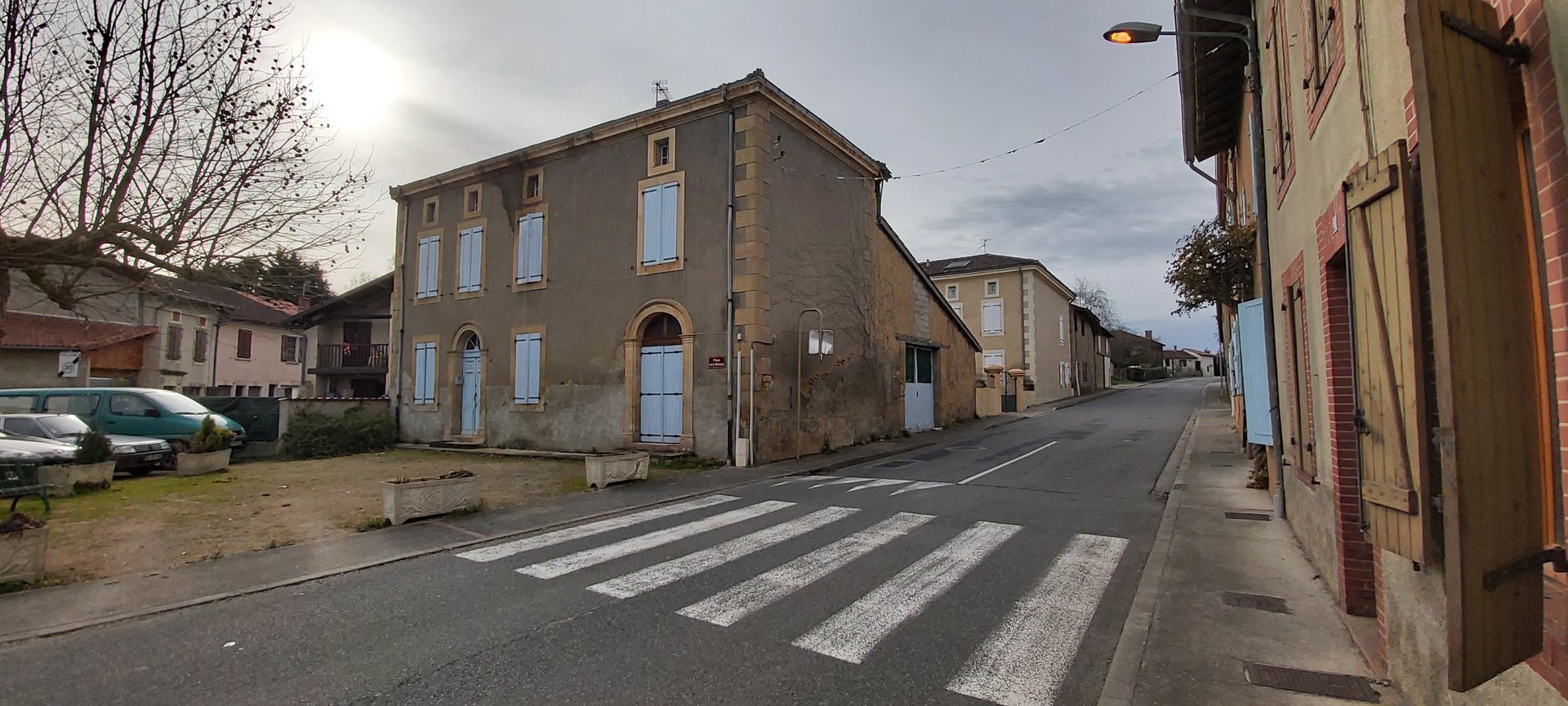 Near Aurignac, renovated 3 bedroom village house with barn