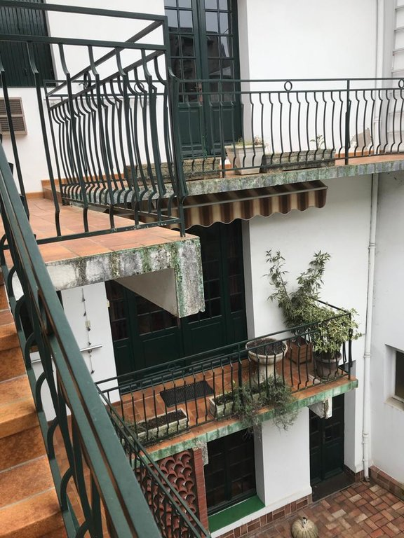 Nevers, town house with lift, terraces & patio