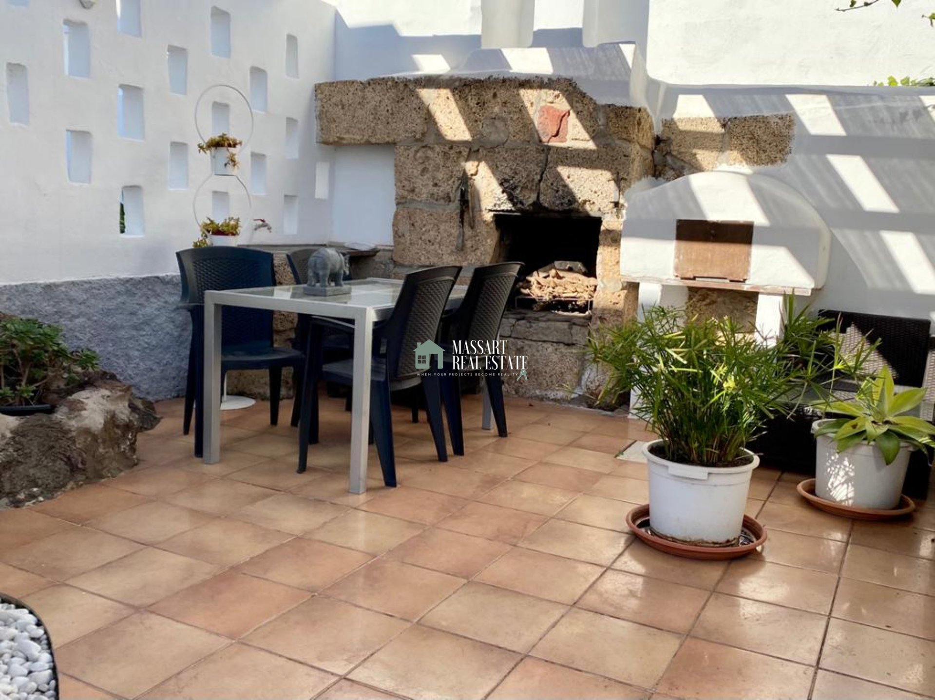 Te huur in een centrale en rustige buurt van Cabo Blanco, vrijstaande villa van ongeveer 100 m2 in zeer goede staat en modern ingericht.
