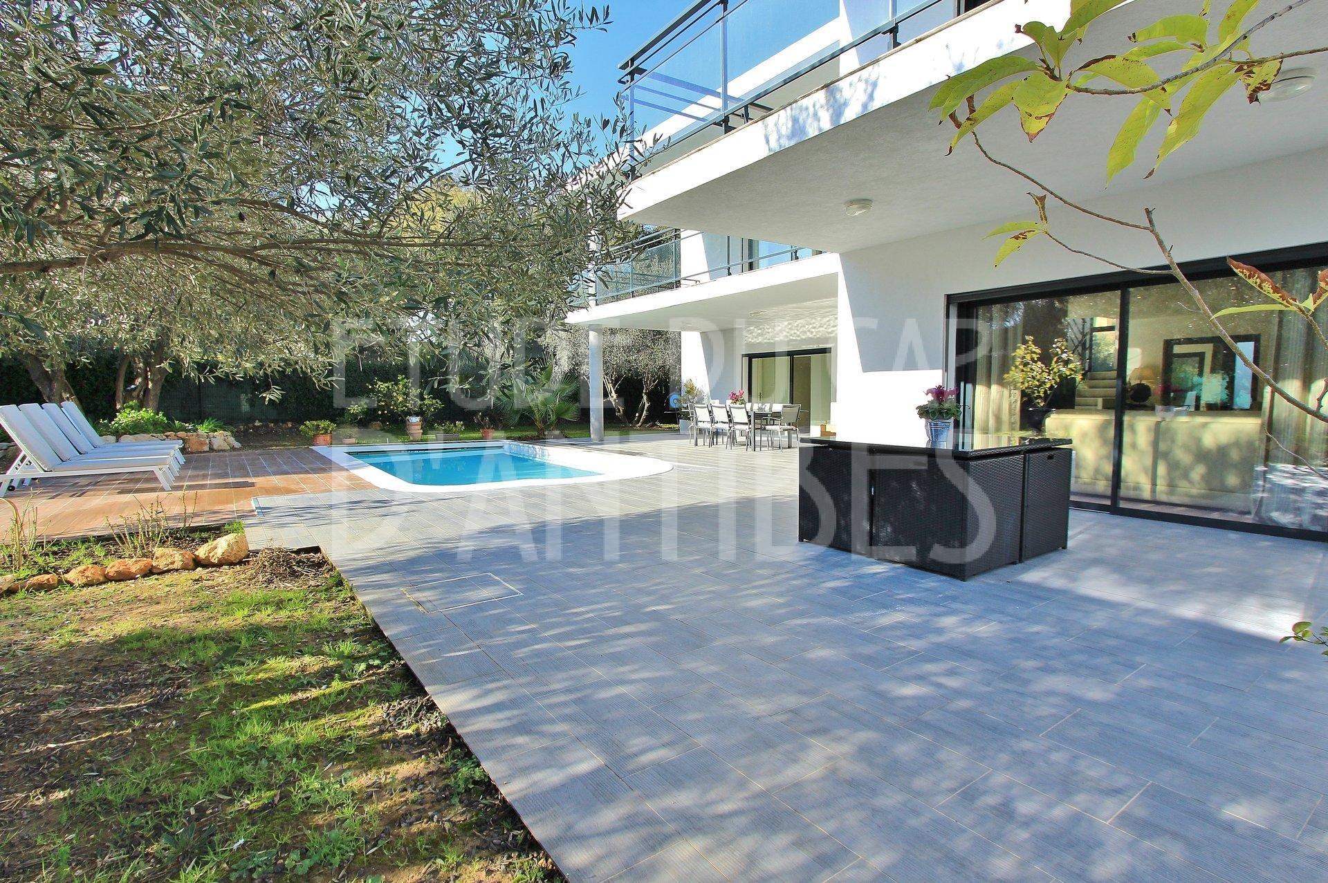 Villa à louer - Vallauris -Golfe Juan