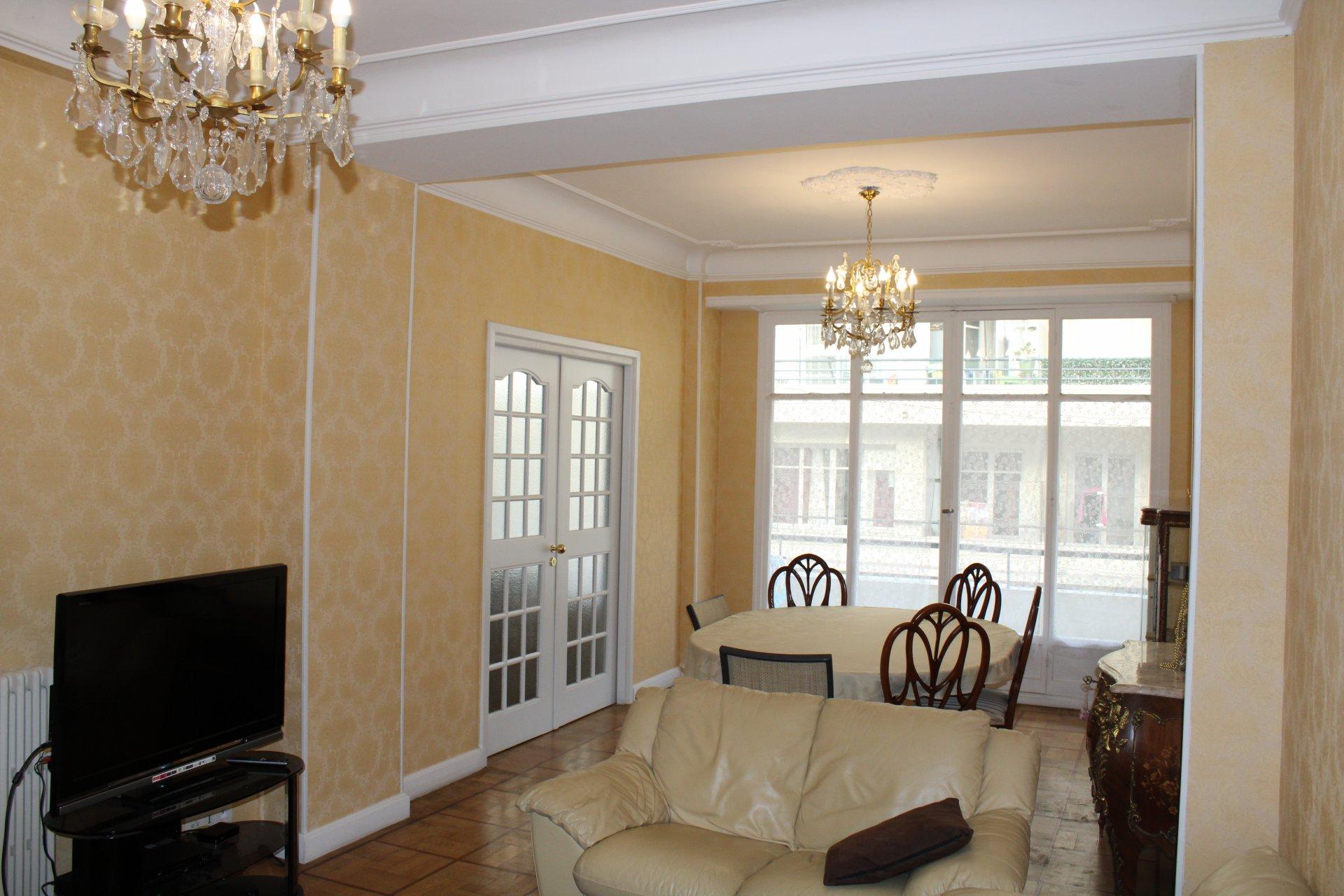 Apartment 100 m² in golden square