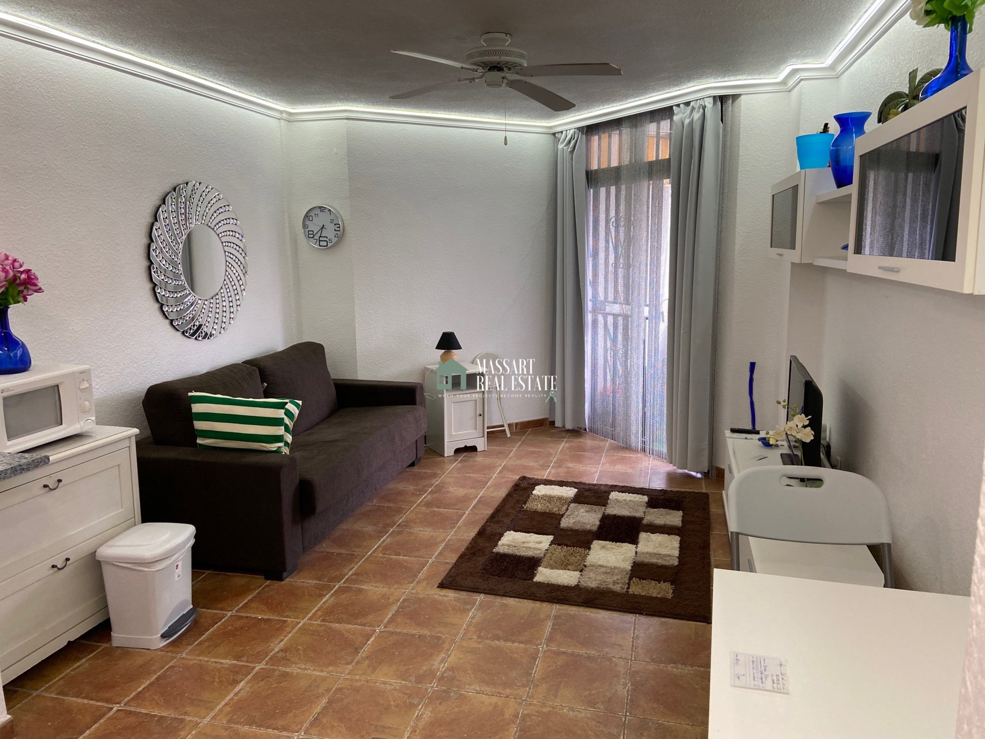 Studio confortable entièrement rénové dans le centre de Los Cristianos, dans le complexe résidentiel Summerland.