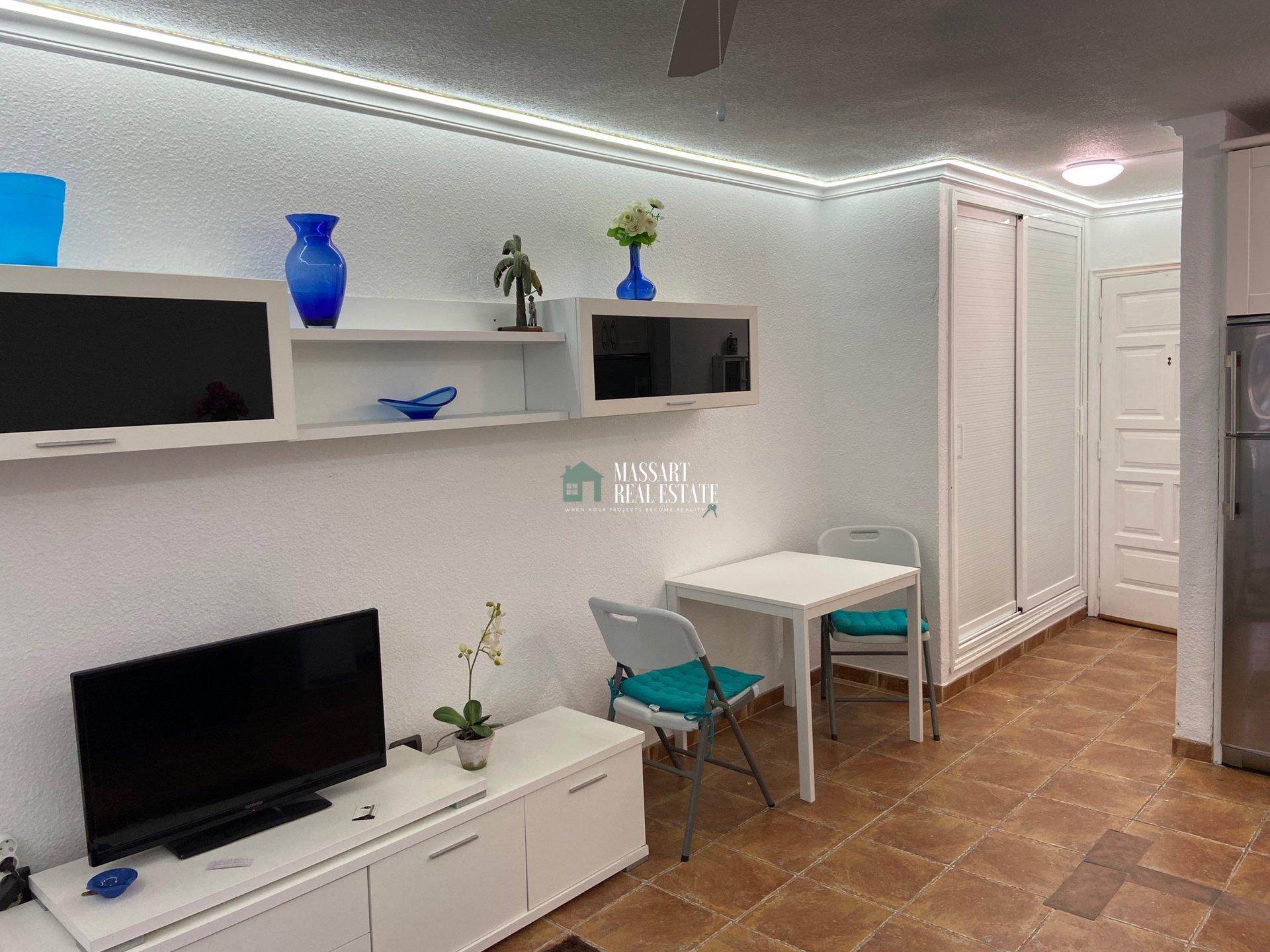 Accogliente monolocale completamente ristrutturato nel centro di Los Cristianos, nel complesso residenziale Summerland.
