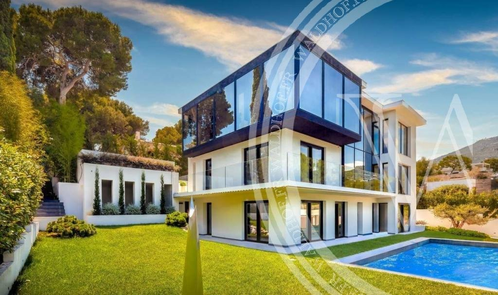 Amazing modern villa in heart of Cap Martin