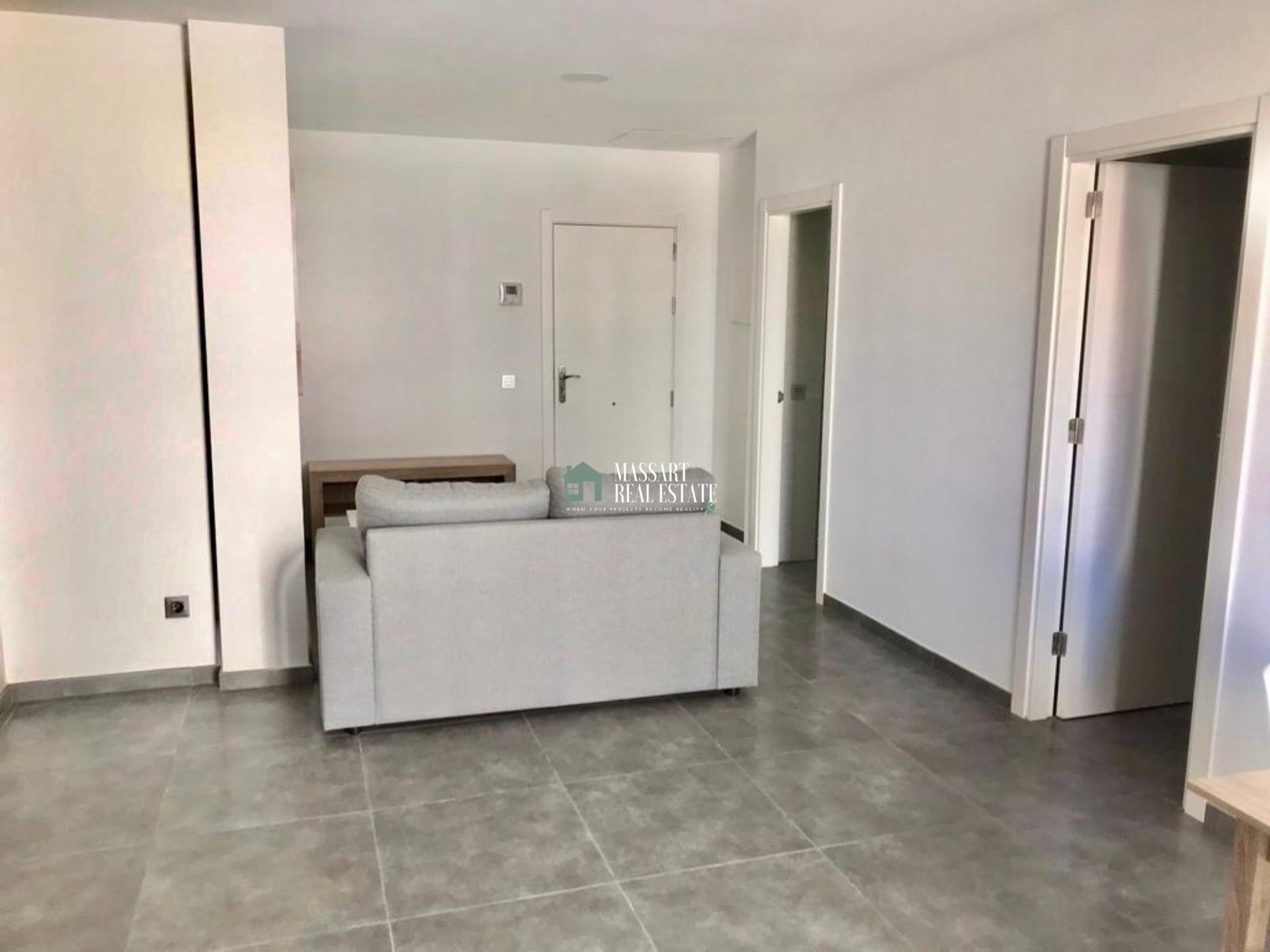 Apartment of about 60 m2 fully furnished in a modern style and characterized by its strategic location, in the center of Adeje.