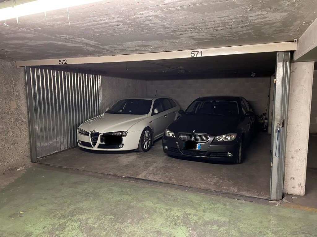 GARAGE DOUBLE EN SOUS-SOL