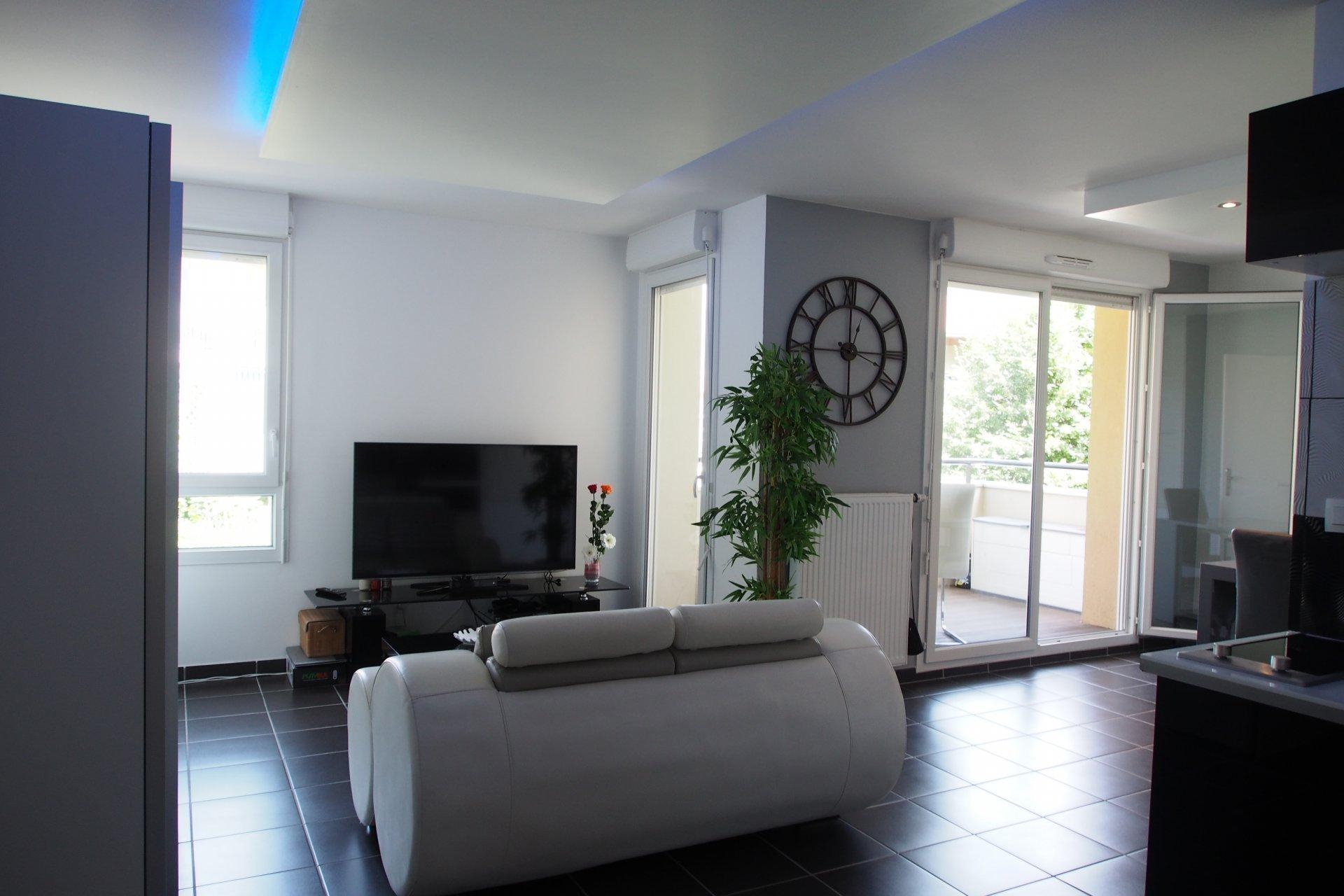 Appartement-terrasse T1  isolation RT2012