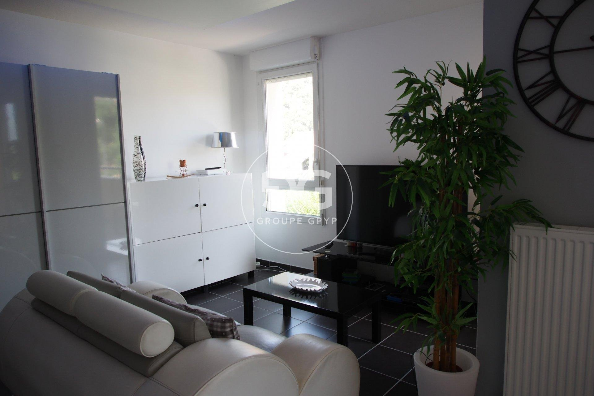 1 Bedroom apartment with terrace and RT2012 insulation