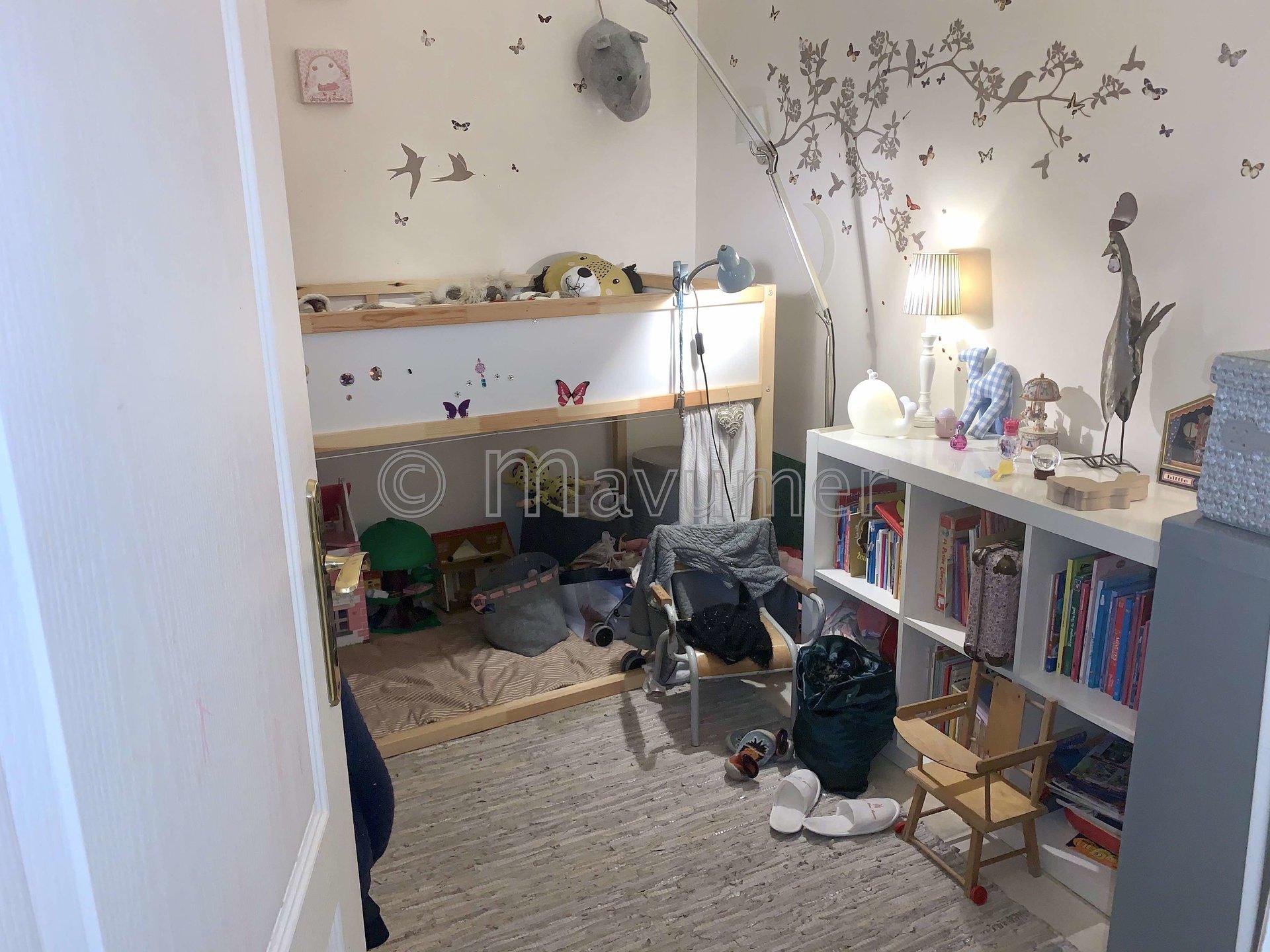 Appartement à rénover, T3 marseillais avec grande terrasse, 13006