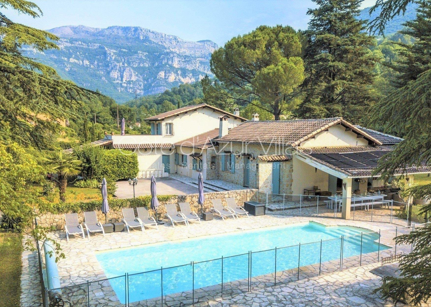 Le Bar-sur-Loup - Large renovated property with magnificent views