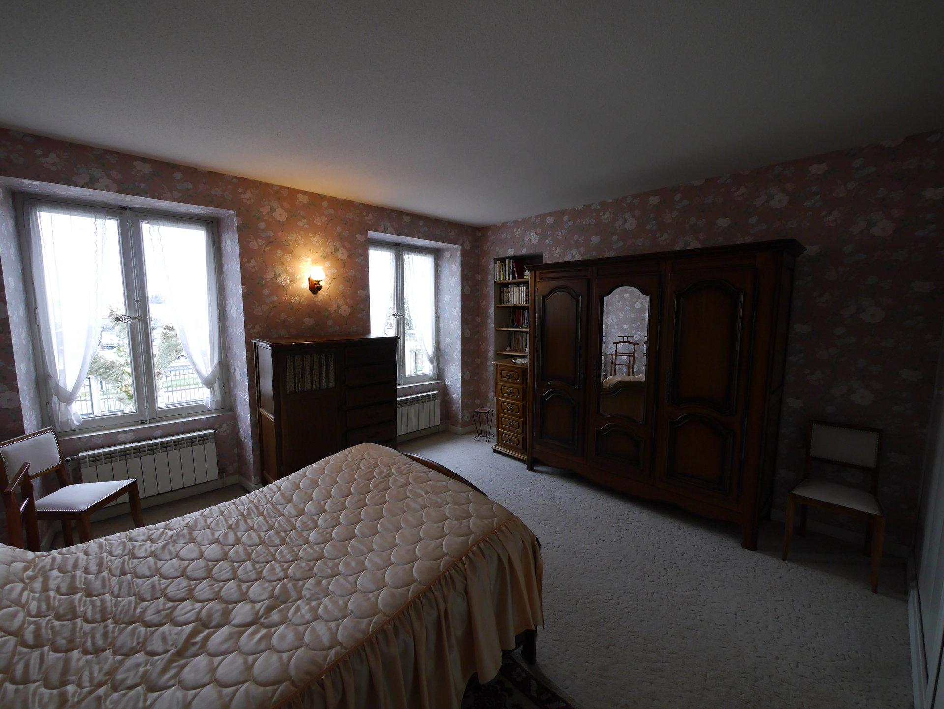 Sale Villa - Les Abrets en Dauphiné
