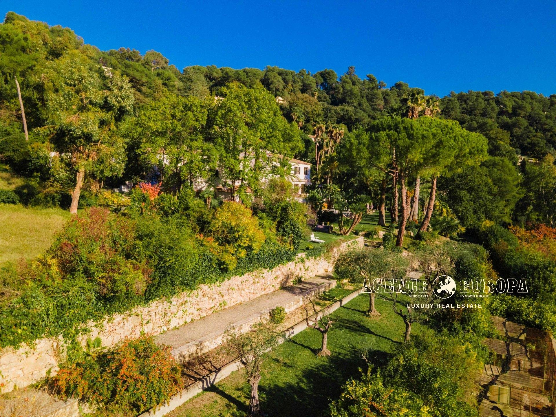 ST-PAUL-DE-VENCE – SPLENDID RENOVATED PROPERTY