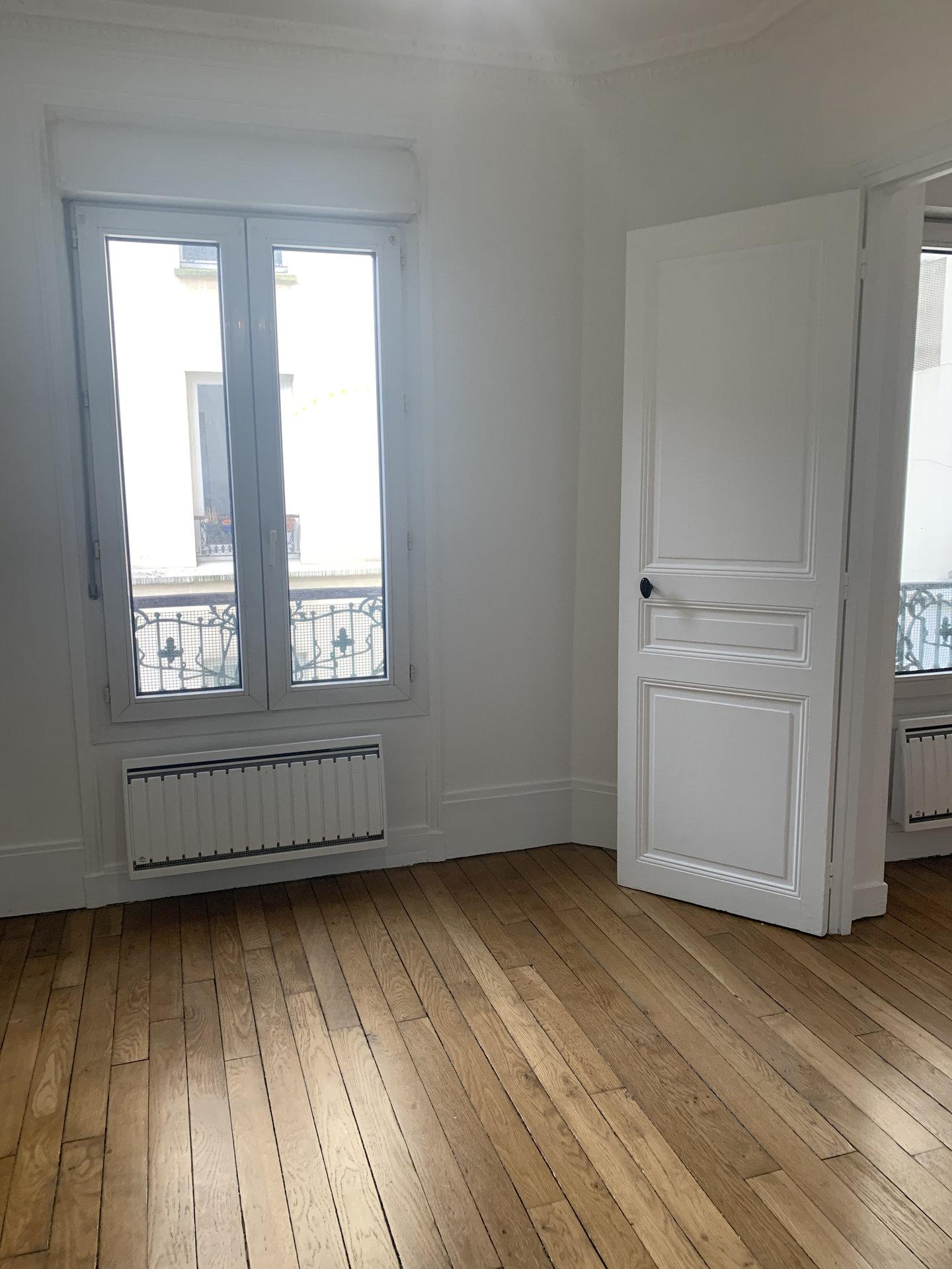 Paris - XIV ème - Rue Poirier de Narcay - 3 PIÈCES  EN ÉTOILE - 2 CHAMBRES - TRAVERSANT -  LUMIERE - CACHET MANIFESTE.