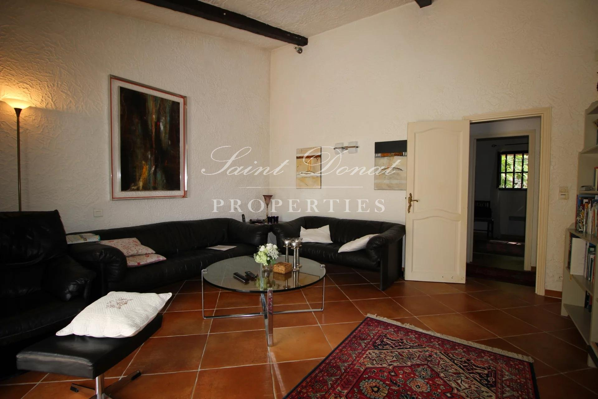 Sole agent: Property with a view in Grasse St Jean