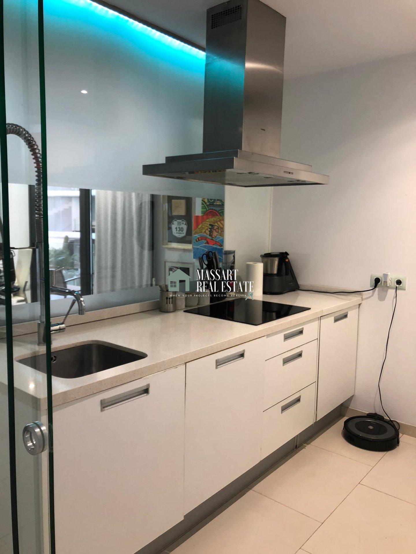Modern appartement van ongeveer 150 m2 te huur in een van de meest prestigieuze wooncomplexen in het zuiden van het eiland, Las Olas (PalmMar).