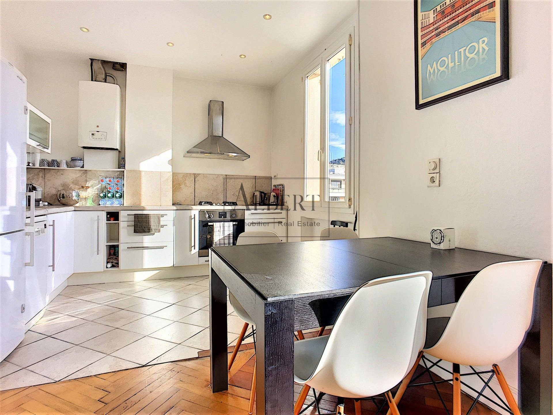Cannes Montfleury 3-4 Rooms Bourgeois
