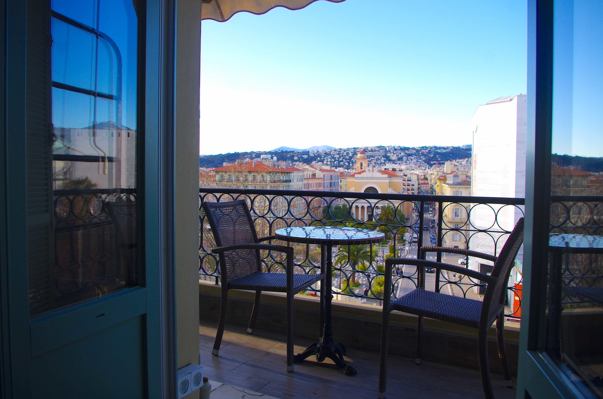 SUPERBE APPARTEMENT COULEE VERTE