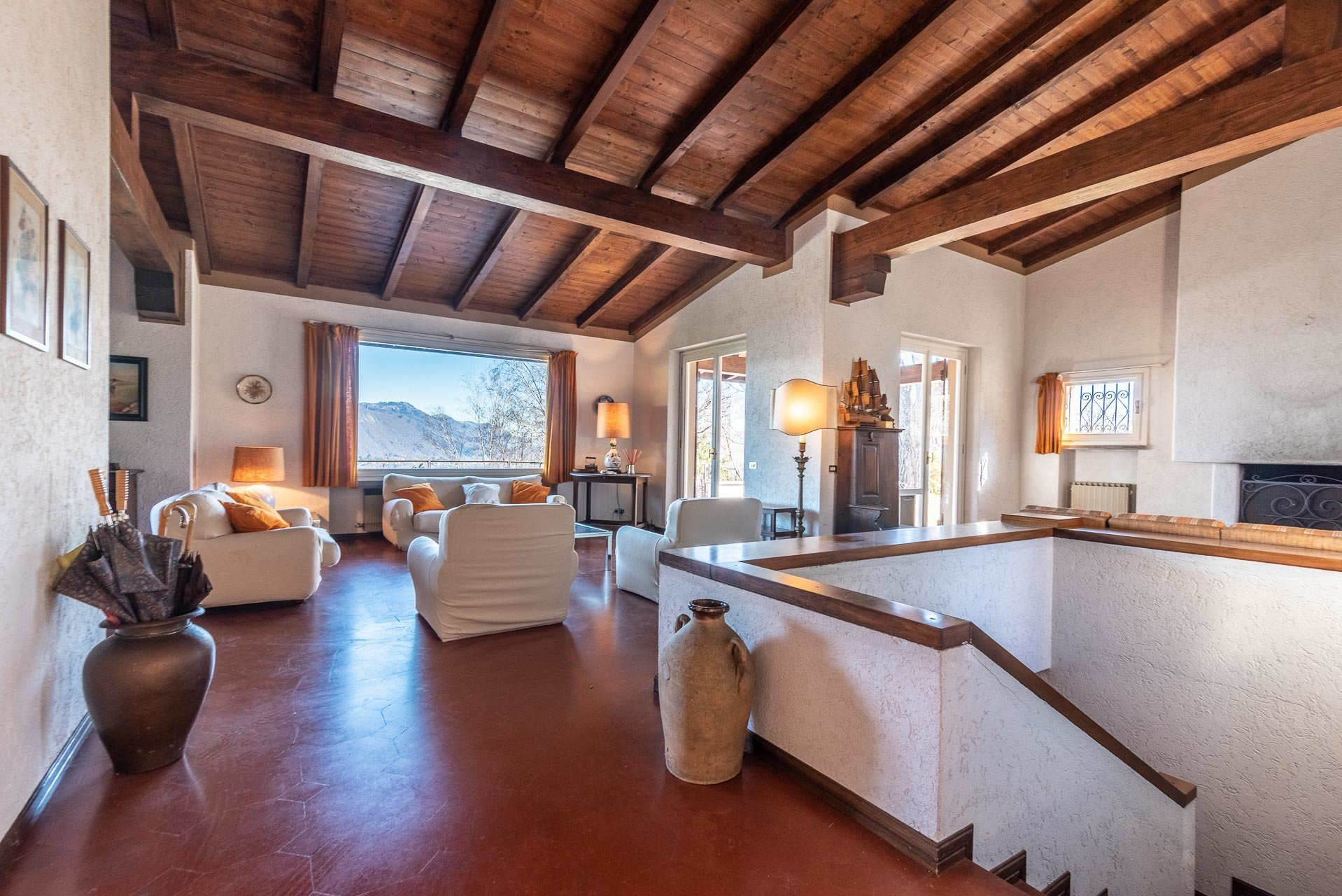 Villa in Stresa (Magognino) - living room with view