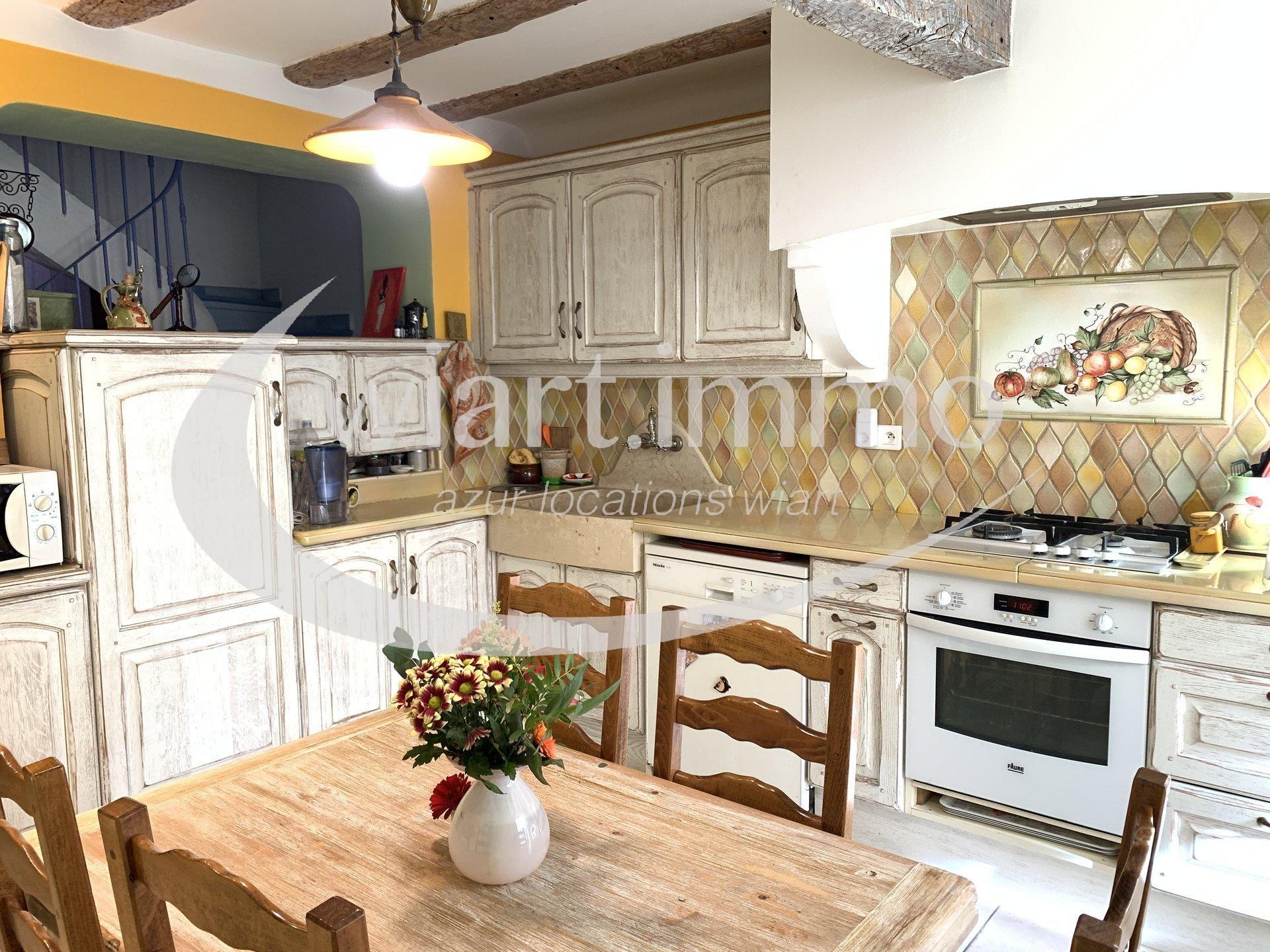 Maison de village 5 pièces  88,31 m2 LC (95 m2 au sol) + cave + garage